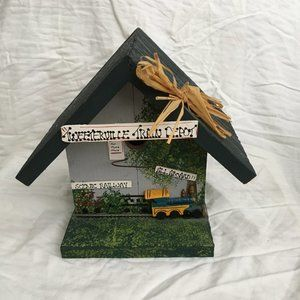VTG Tweeterville Railroad Station Birdhouse